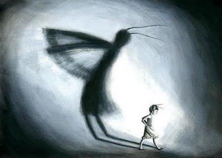niña y sombra con alas
