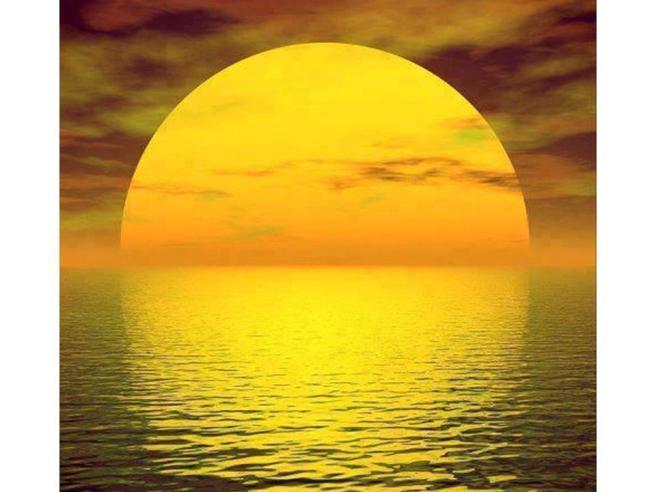 sol inmenso amarillo
