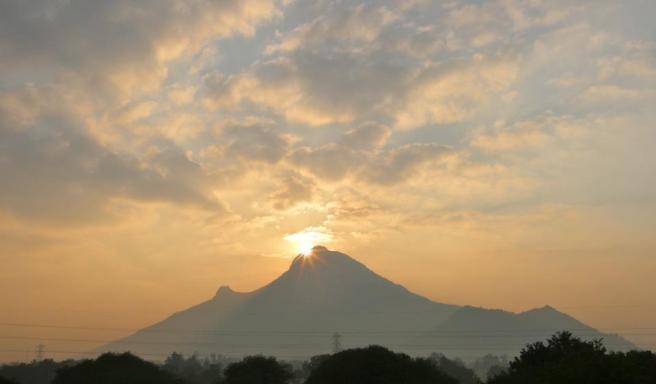 montaña arunachala 2