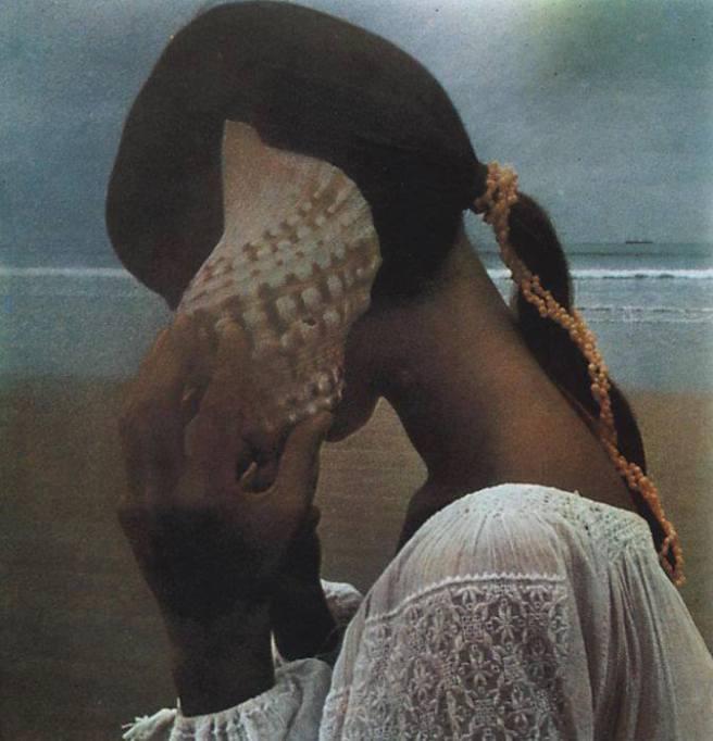 mujer caracola