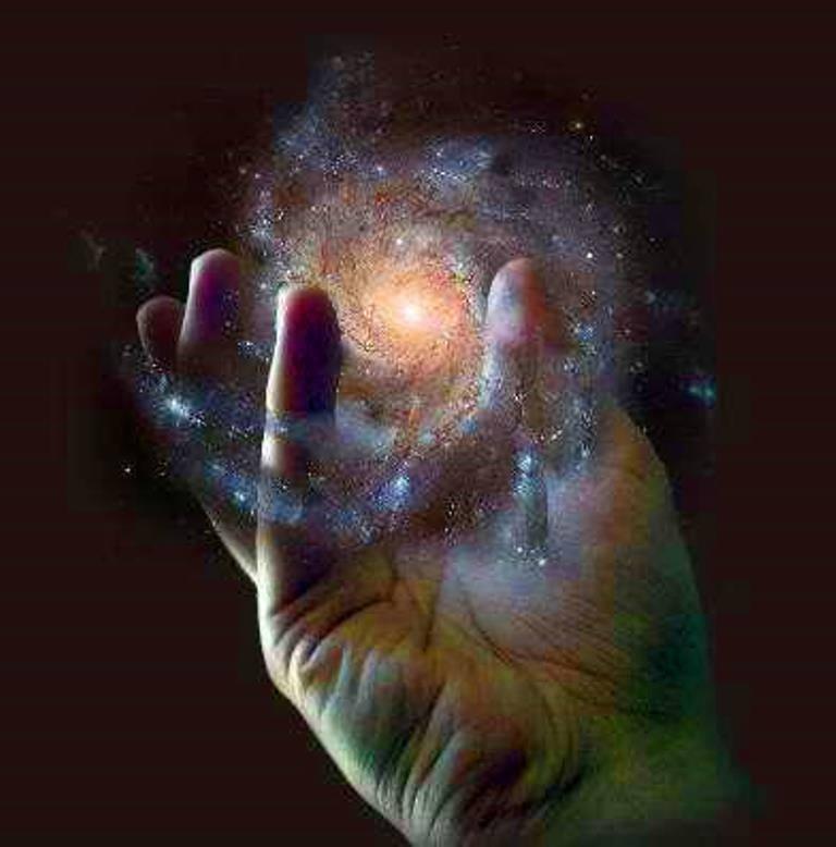 Reiki universo en mano