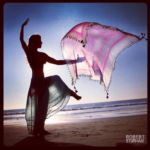 mujer bailandovelos