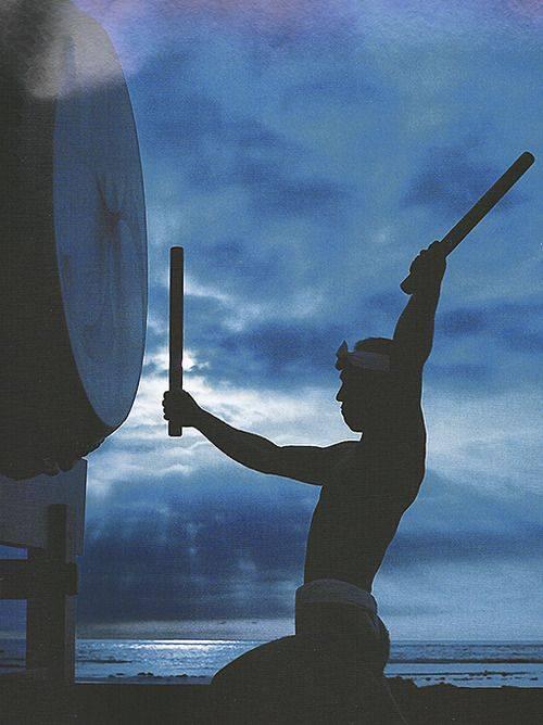 hombre tambores japones