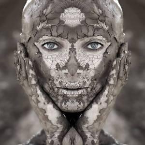 mujer de barro