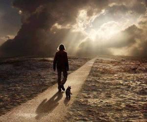 hombre y camino