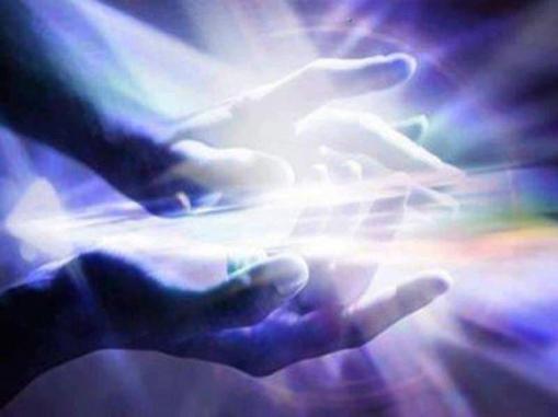 manos y luz