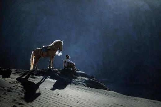hombre y caballo